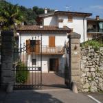 Casa Vanny, Arco
