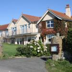 Hotel Pictures: Lantern Lodge, Hope-Cove