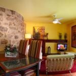 Hotel Pictures: Apartamento La Seo, Barbastro