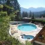 Hotel Pictures: Motel Tyrol, Radium Hot Springs