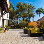 Hotel Pictures: Host & Vinum - Le Clos des Pins, Canet-en-Roussillon