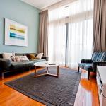 Фотографии отеля: LJ Hooker Manuka Prestige Accommodation, Канберра