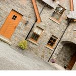 Hotel Pictures: Courtyard Mews, Armagh