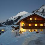 Hotel Pictures: Pension Regina, Lech am Arlberg