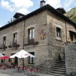 Hostal Camynos, Ambasmestas