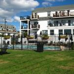 (4.3/5)   The Inn at Crystal Cove on Boston Harbor  reviews