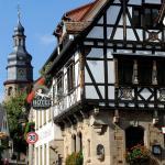 Hotel Pictures: Weinkastell Zum Weissen Ross, Kallstadt