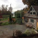Hotel Pictures: Eagle Tree Lodge Cottage Suite and Heron Suite, Agassiz