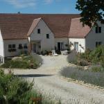 Hotel Pictures: Lavandes et Roses en Quercy, Saint-Cernin