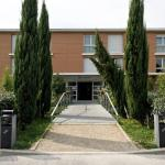 Hotel Pictures: Residhotel Les Hauts d'Andilly, Andilly