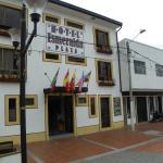 Hotel Pictures: Hotel Esmeralda Plaza, Zipaquirá
