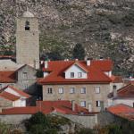 Casa Petrus Guterri, Castelo Novo