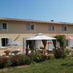Hotel Pictures: Chambres d'Hôtes Les Fleurs des Champs, Saint-Martin-d'Ary