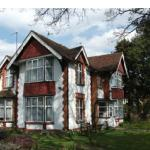 Hotel Pictures: Lenton Lodge Guest House, Horley