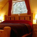 Hotel Pictures: Mount 7 Lodges, Golden