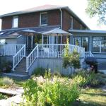 Hotel Pictures: Honor's Country House Bed and Breakfast, Amherstburg