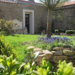 Hotel Pictures: La Blanchisserie, Le Puy-Saint-Bonnet