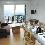 Hotel Pictures: Holiday home Carrer Dessus, Mont