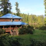 Hotel Pictures: Swans End Vacation Home, Ucluelet