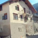 Hotel Pictures: Historisches Bündnerhaus, Castrisch