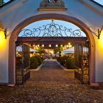 Hotel Pictures: Schloss Reinach, Munzingen