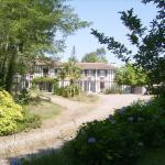 Hotel Pictures: Chambres d'Hôtes Les Sables, Gourbera