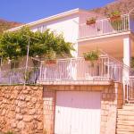 Seven Seas Apartments, Mlini