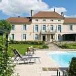 Hotel Pictures: Chateau Du Mont Joly, Sampans