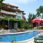 Foto Hotel: Efos Bungalows, Saints Constantine and Helena