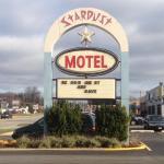 Stardust Motel, Naperville