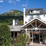 Hotel Pictures: Logis Hôtel Les Cimes, Argelès-Gazost