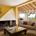 Hotel Pictures: Centro de Turismo Rural Marialba, Monte la Reina