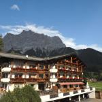 Foto Hotel: Alpenappartements Cristall, Ehrwald