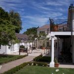 Constantia White Lodge Guest House, Cape Town