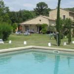 Hotel Pictures: Cottage - Le Domaine des Bartavelles, Les Taillades