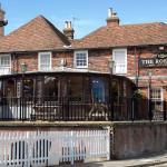 Hotel Pictures: The Roebuck Inn – RelaxInnz, Harrietsham