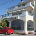 Lina Studios,  Potos