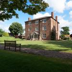 Hotel Pictures: Grove Farm House Bed And Breakfast, Shrewsbury