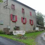 Hotel Pictures: La Campagne de PieMon, Saint-Pierre-de-Trivisy