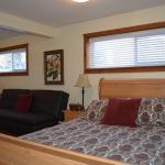 Caruso's Accommodation, Jasper