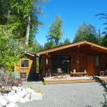 Hotel Pictures: Wild Coast Chalets, Port Renfrew