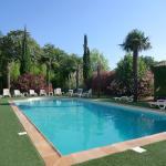Hotel Pictures: Inter-Hôtel du Parc, Entraigues-sur-la-Sorgue