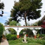 Hotel Pictures: Hostal Oasis Menorca, Ciutadella