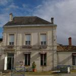 Hotel Pictures: Hotel Restaurant du Midi, Saint-Genis-de-Saintonge