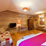 Hotel Pictures: Clos De La Gourmandière, Saint-Lothain