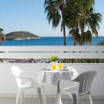 Hotel Pictures: Magalluf Strip Apartment, Magaluf