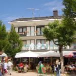 Hotel Pictures: Gästehaus Café Heck, Titisee-Neustadt