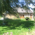 Hotel Pictures: Chambres d'hôtes La Ferme Saint Nicolas, Saint-Symphorien