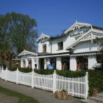 Hotel Pictures: Strand-Hotel Lobbe, Lobbe