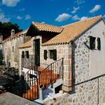 Stone House Marasovic,  Starigrad-Paklenica